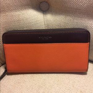 COACH Zip Around Color Block Wallet F11947